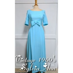 Vintage 1960's Sylvia Ann Blue prom dress 8